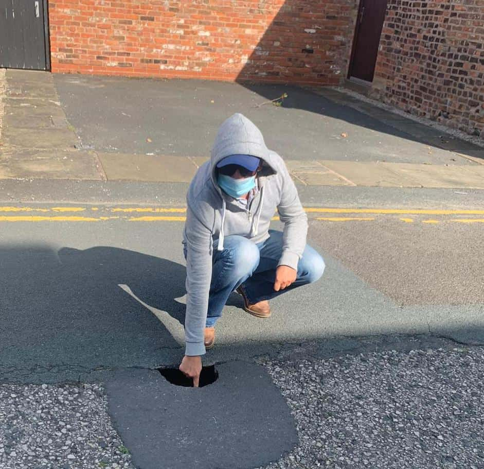Caution! New Pothole Appears in South Clifton Street, Lytham!